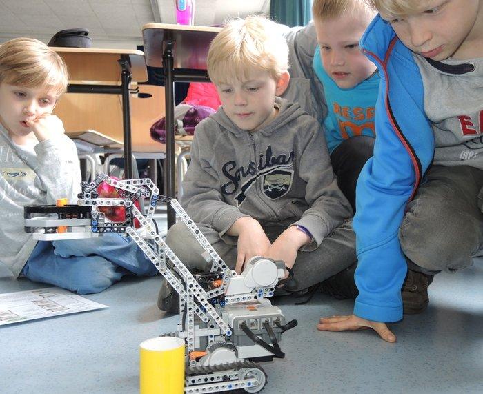 Lego-Roboter bei KNuT-kommt